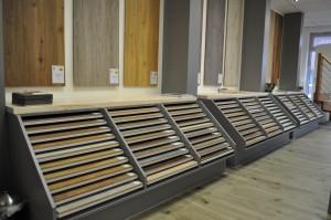 Bodenbeläge in der Türenausstellung der Firma Treppenbau O. Kemper GmbH